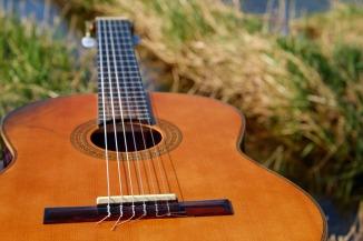 guitar-2276181_1920